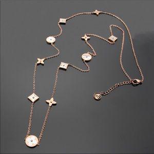 necklace imitation Louis Vuitton